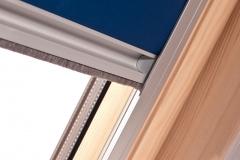 Dachfensterrollo mit Schiene