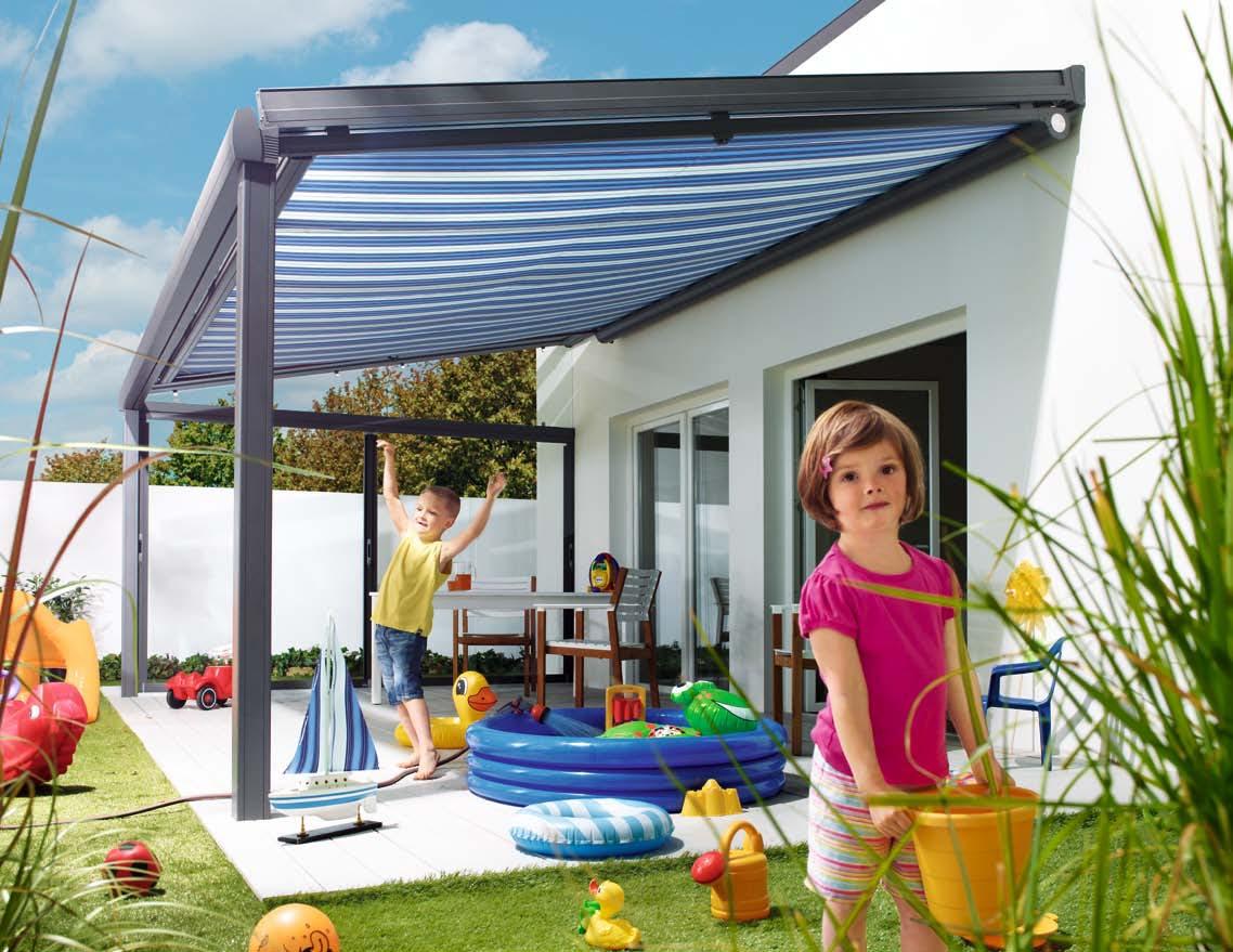 terrassenmarkisen gegen sonne und regen. Black Bedroom Furniture Sets. Home Design Ideas
