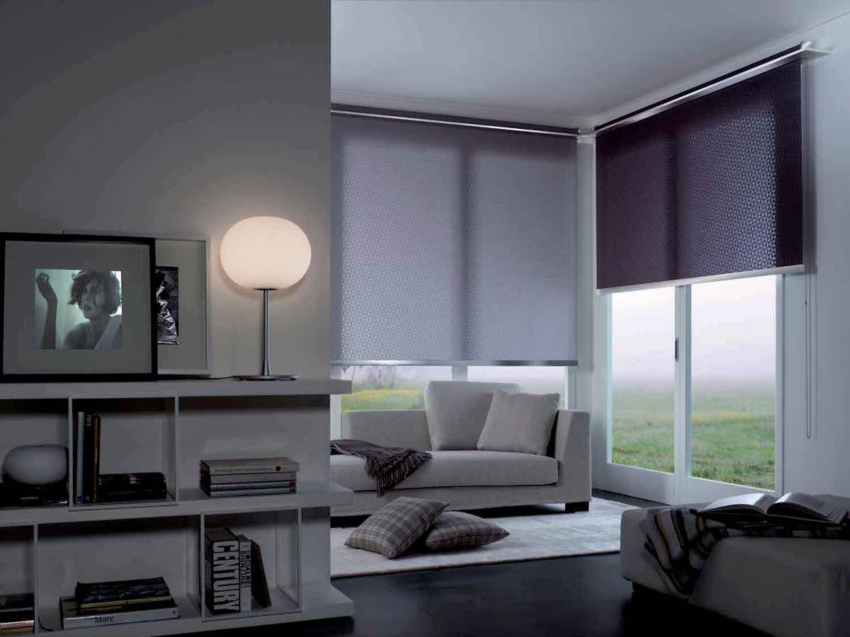 designerrollos aus chrom edelstahl oder satiniert. Black Bedroom Furniture Sets. Home Design Ideas