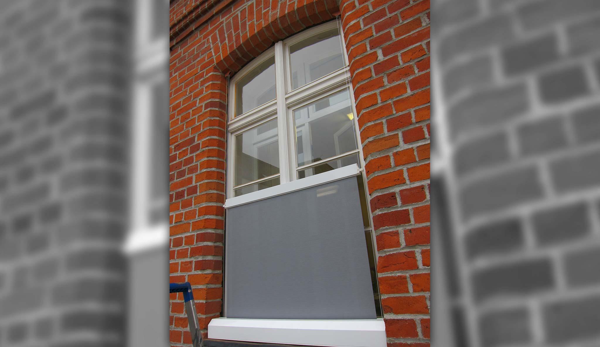 balkon rollo ohne bohren rollmayer plissee jalousie ohne bohren grn bcm x hcm easyfix verspannt. Black Bedroom Furniture Sets. Home Design Ideas