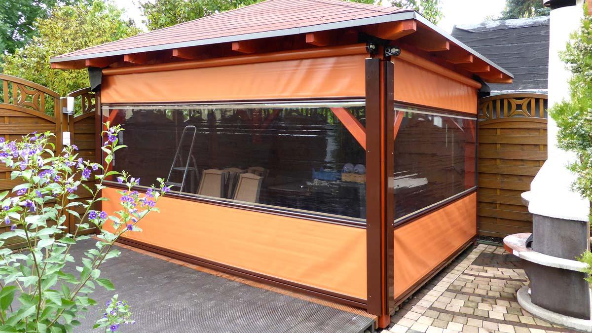 mobile windschutzwand vertikal aus und einfahrbar aus glas. Black Bedroom Furniture Sets. Home Design Ideas