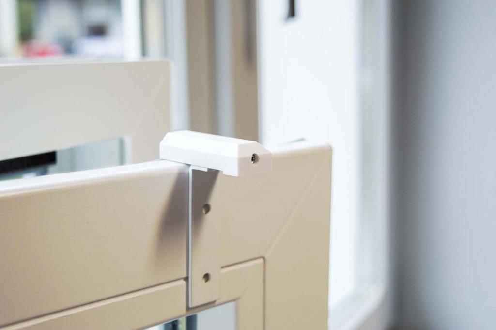 freih ngende rollos ohne kasten auf ihr wunschma gefertigt. Black Bedroom Furniture Sets. Home Design Ideas