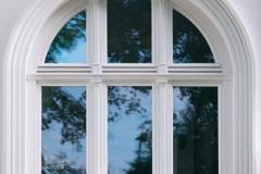 Rundbogen Fenster Denkmal-Schutz