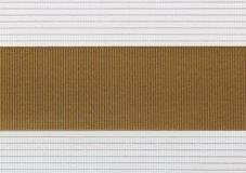 khakigrau + weiß + Linien