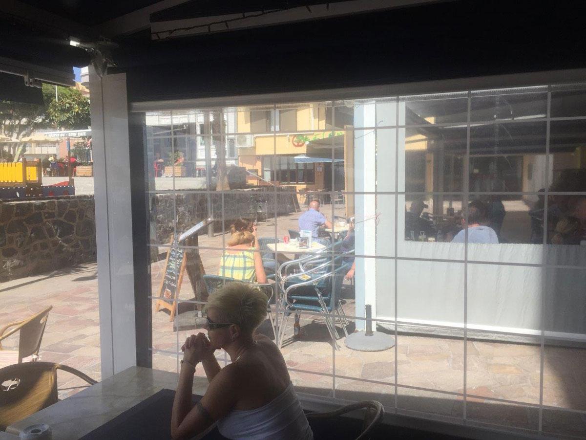 Durchsichtige Wetterschutzrollos Fur Terrassen Balkone Zum