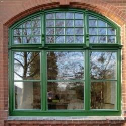 historische Fenster mit Folie