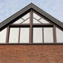 Giebelfensteranlage ohne Sonnenschutz