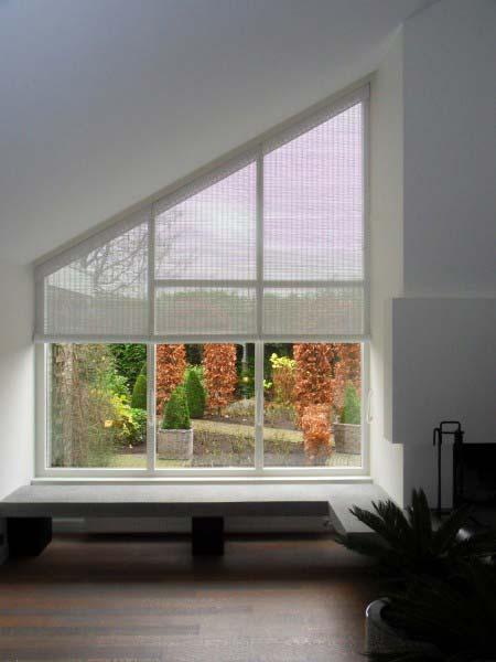 rollos f r schr ge trapez fenster hersteller bersicht. Black Bedroom Furniture Sets. Home Design Ideas