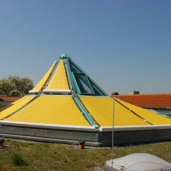 Sonnenschutz als dreieck