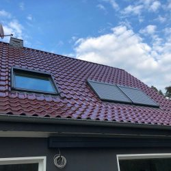 Dachfesterrollo solar